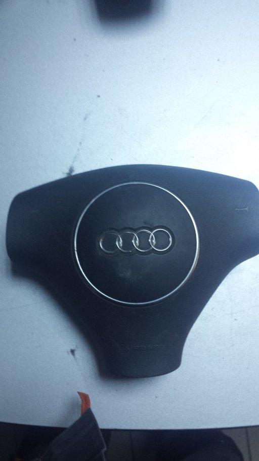 Airbag volan Audi A4 B6 cod: 8e0880201