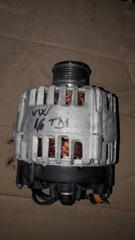 Alternator VW Audi Skoda 1.6 TDI cod 028903031