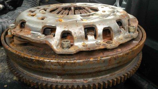 Ambreiaj Bmw 2.0 Diesel an 2004-2012