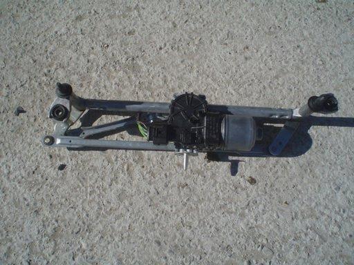 Ansamblu stergatoare cu motoras polo 2011