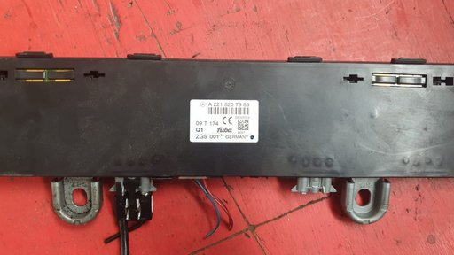 Antena gps mercedes A2218207989