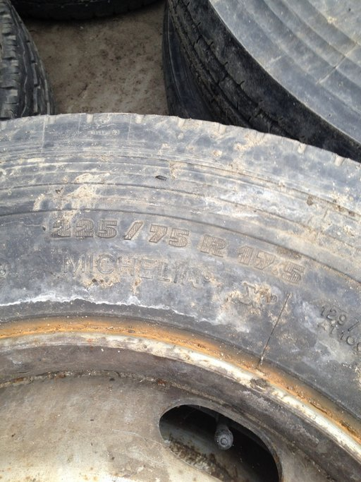 Anvelope 225/75/17,5 liniare , Michelin