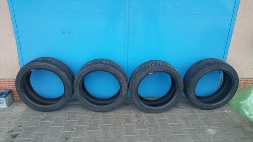 Anvelope iarna Bridgestone 245/45 R19 98 v