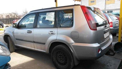 Aripa Spate Nissan X-Trail T30