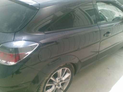 Aripa spate Opel Astra H GTC