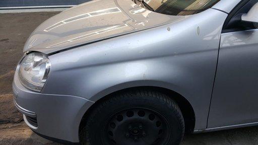 Aripa stanga fata Volkswagen Golf 5 2007 combi 2.0TDI