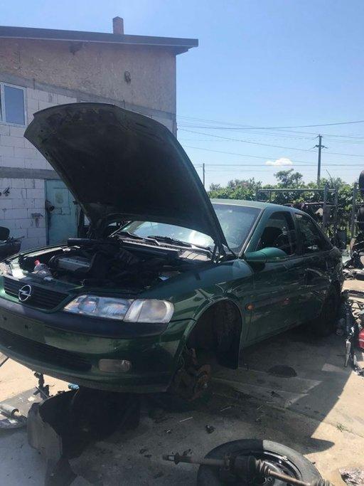 Aripa stanga Opel Vectra B 1995 - 2001