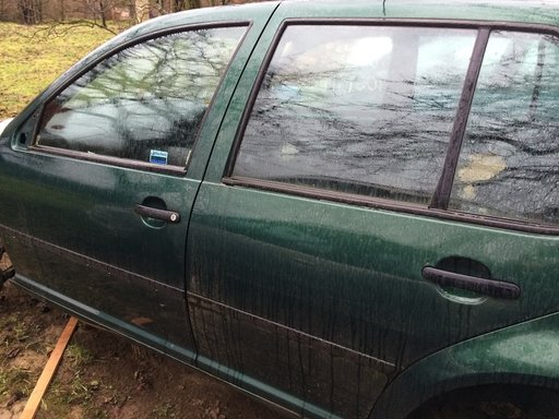 Aripa stanga spate Volkswagen Golf 4 2003 Hatchback 1.6