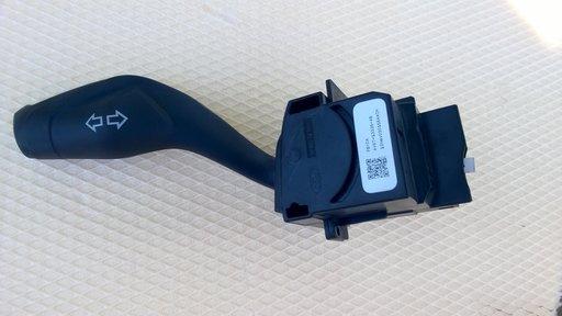 AV6T13335AB Maneta semnalizare Ford Focus 3