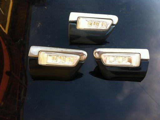 Bandouri aripa Audi A8