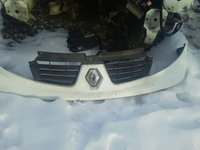 Bara cu grila radiator pentru Renault Trafic facelift