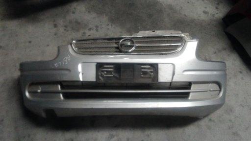 Bara fata Opel Agila, '2001