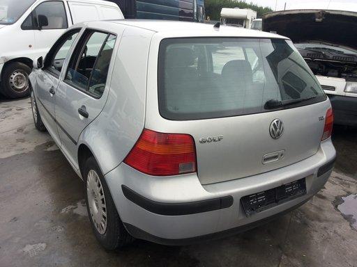 Bara spate cu bandou Volkswagen Golf 4 hatchback
