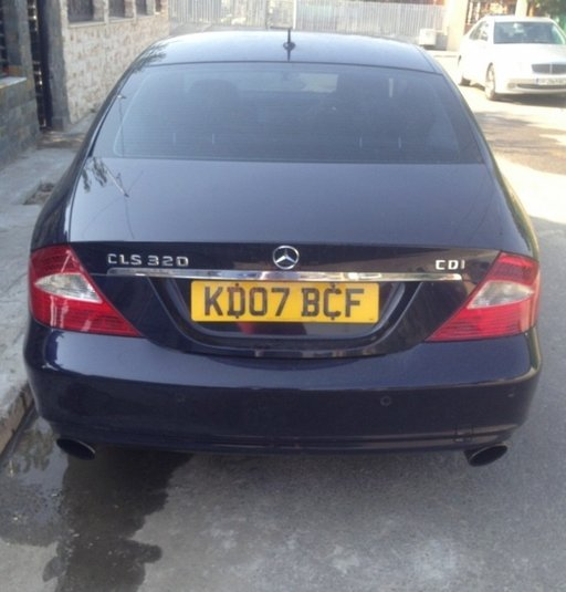 Bara spate Mercedes cls w219 cu senzori parcare