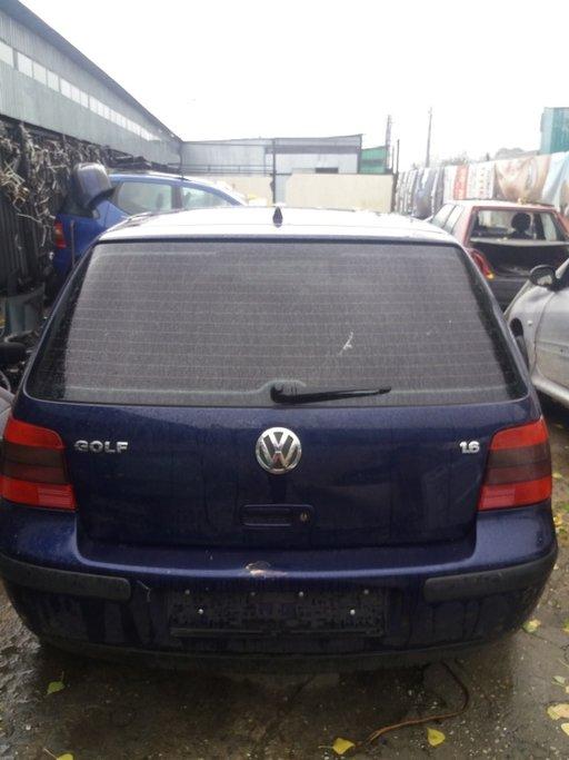 Bara spate VW Golf 4 1.6 16V