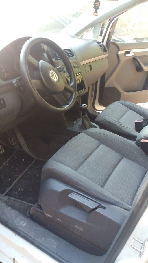 Bara spate VW Touran 2004 Monovolum 1.9
