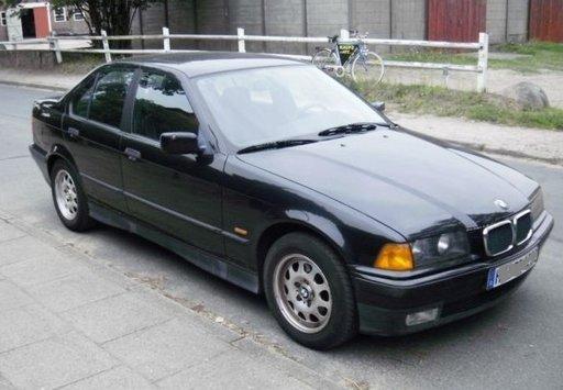 BMW 318i, an 1993, 1.8B, 85KW
