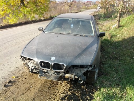 BMW 525 i - dezmembrari