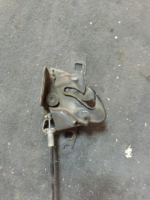 Broasca capota VW Lupo