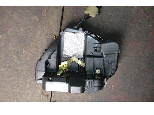 Broasca usa spate stanga dreapta mercedes e class w211 an 2003