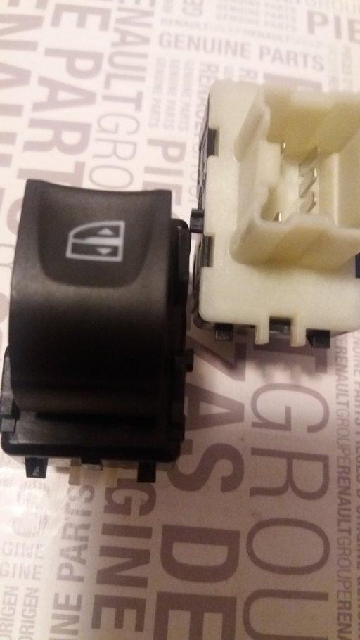 Buton geam electric (comutator) Dacia Logan 2 Sandero 2 Renault Clio4 Captur 254218614R . Nou și Original R.