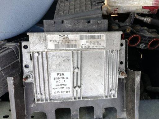 Calculator motor ECU Citroen C3 2003 1.4 benzina