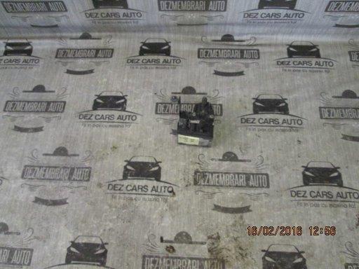 Calculator motor (ecu) mercedes-benz w204 c180 kompressor