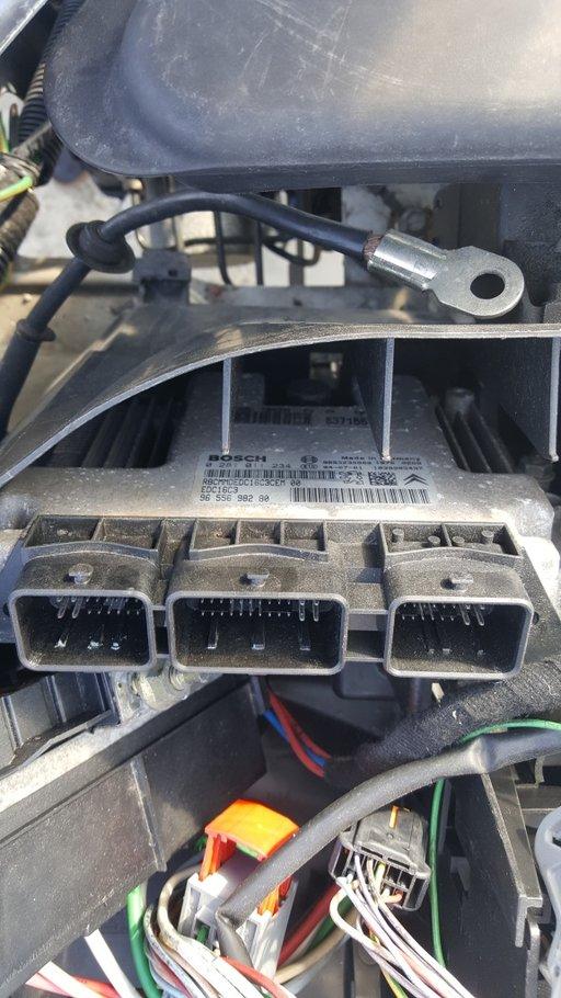 Calculator motor(ECU) Peugeot 307 2004 0281011234