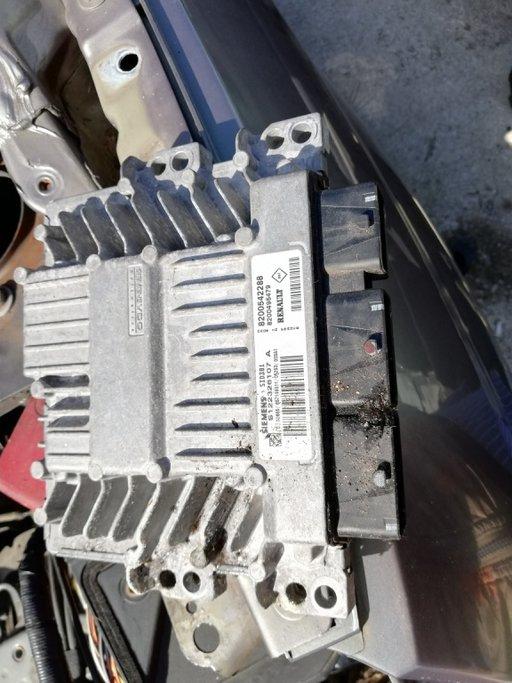 Calculator motor (ECU) Renault Scenic 2 8200542288
