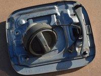 Capac metalic rezervor buson Avensis T25 2003 - 2008