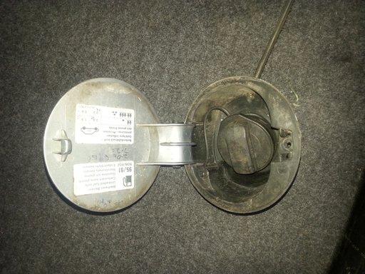 Capac rezervor passat b5,5 gri metalizat si argintiu