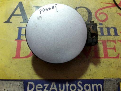 Capac usita rezervor passat Variant 3B6 cod 3b0010275L