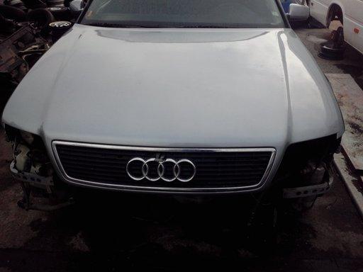 Capota Audi A8 1998 completa cu grila