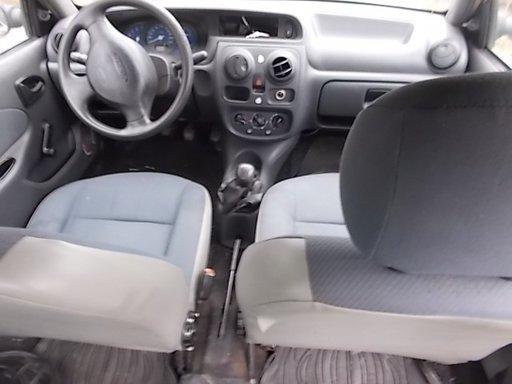 Capota Dacia Solenza 2004 hachback 1.4 mpi
