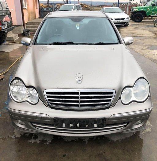 Capota Mercedes C-CLASS W203 2005 berlina 2.2dci