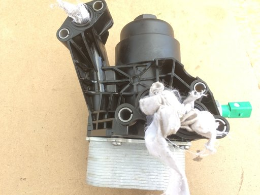 Carcasa filtru ulei cu termolfot VW Passat B8 03N1