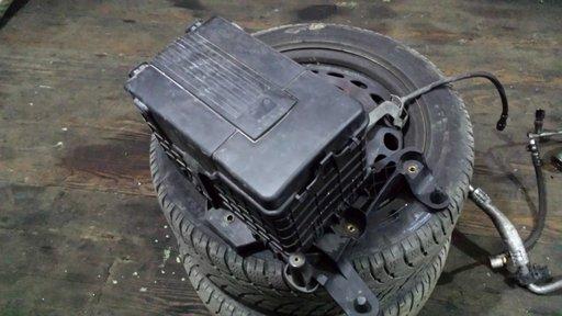 Carcasa Suport Baterie Vw Passat 3c B6 2005 2006 2