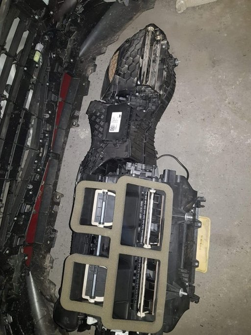 Carcasa ventilator radiator habitaclu BMW F20 F21 an 2015 motor 1.6 diesel