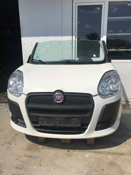 Carenaj stanga Fiat Doblo 2010 - 2018