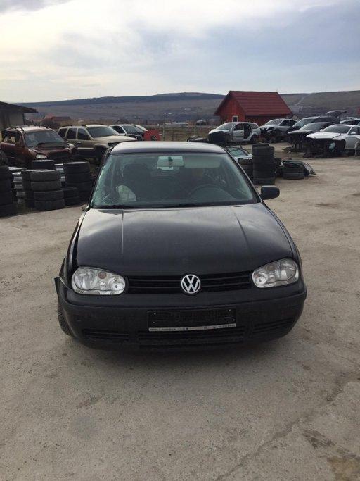 Carlig remorcare VW Golf 4 2001 hatchback 1,6 benzina 16valve