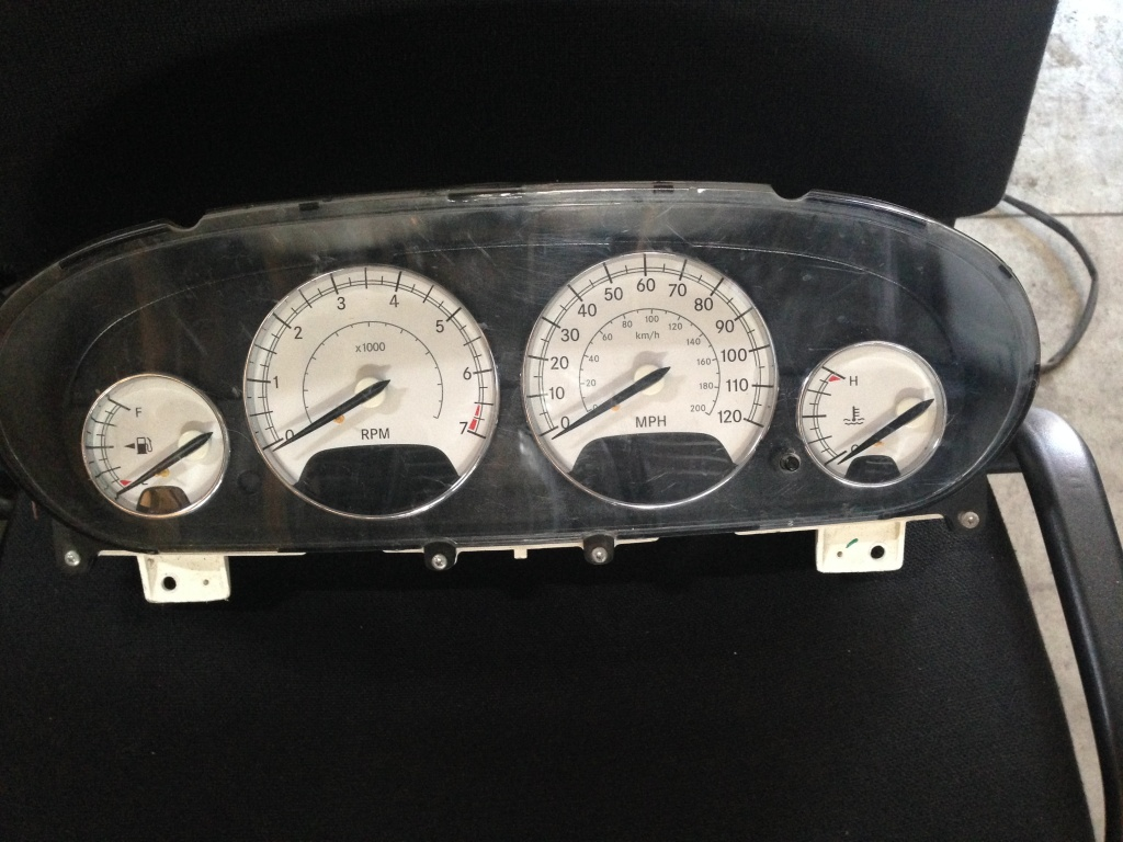 Ceasuri bord chrysler sebring 2.7 benz 2004