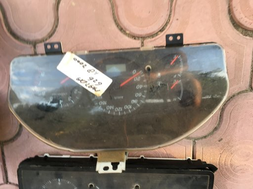 Ceasuri bord Mazda 626 1.8 benzina din 2000