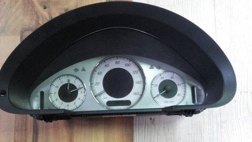 Ceasuri bord mercedes e220 w211