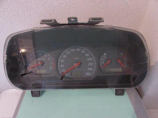 Ceasuri bord Volvo V40 S40 1,8i ani 1996 1997 1998 1999 30857490/F 99W05D2 SW30887707 (sticla putin fisurata)