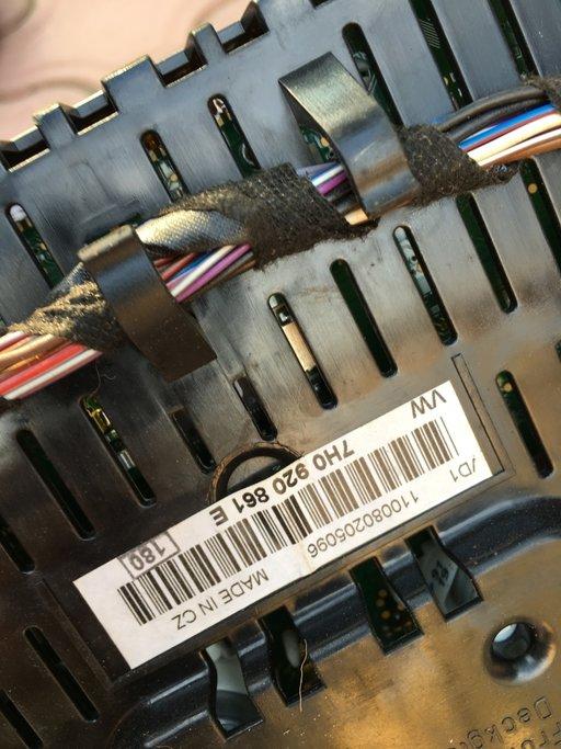 Ceasuri bord VW T5 cod 7H0920861E