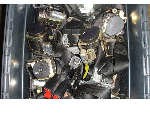 Centura de siguranta fata si spate mercedes e class w211 an 2004