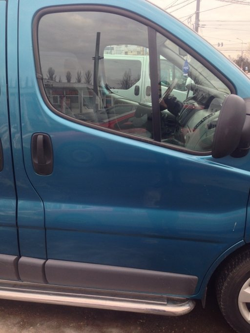 Cheder geam lateral dreapta Renault Trafic 2.0 2007 Diesel