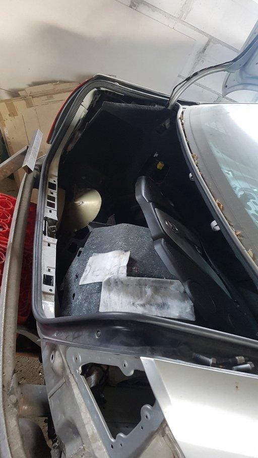 Cheder portbagaj Mercedes E class W 211 facelift