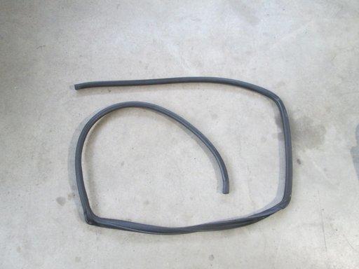 Cheder usa dreapta spate Toyota Avensis combi break ( T25 ) 2.0D 2003 2004 2005 2006 2007 2008