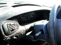 Chrysler Voyager 1999 2.4 benzina
